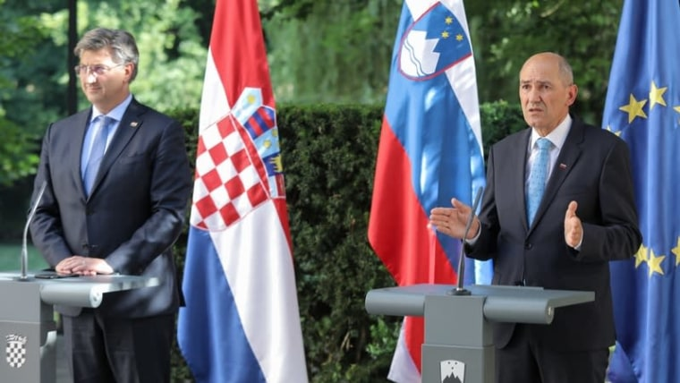 Prime Minister Andrej Plenković stands next to his host Prime Minister Janez Janša in Otočec on Friday (Tomislav Miletic/PIXSELL)