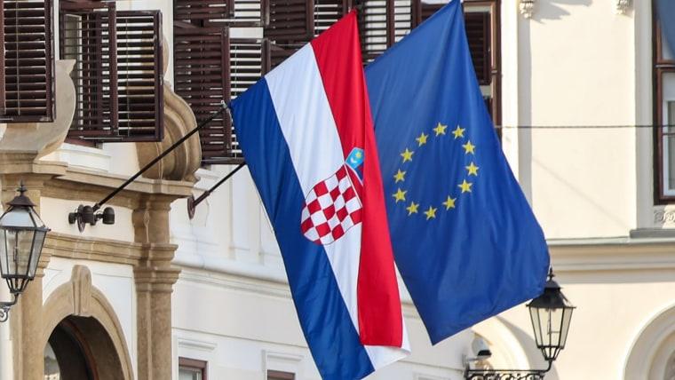 Croatian EU flags (Photo: Igor Kralj/PIXSELL)