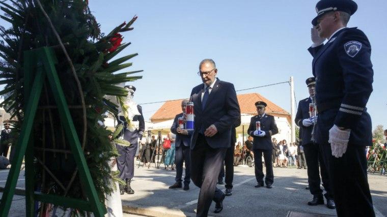 Interior Minister Davor Božinović in Dalj (Photo: Dubravka Petric/PIXSELL)