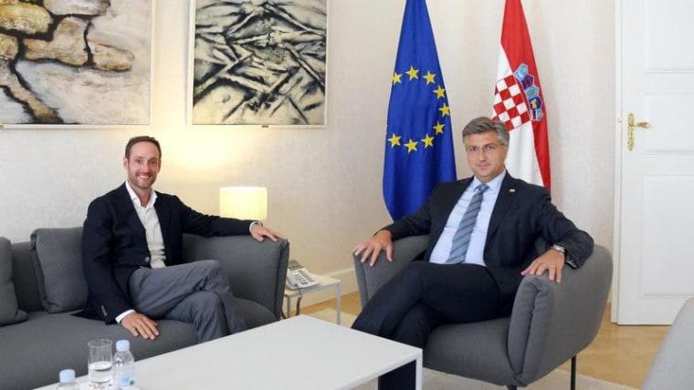 Prime Minister Plenković (right) with Dutch entrepreneur Jan de Jong (Photo: Twitter)