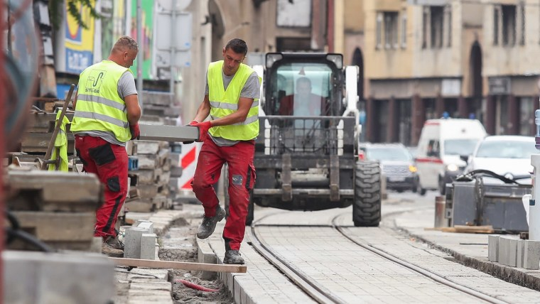 Workers in Zagreb (Photo: Luka Stanzl/PIXSELL)