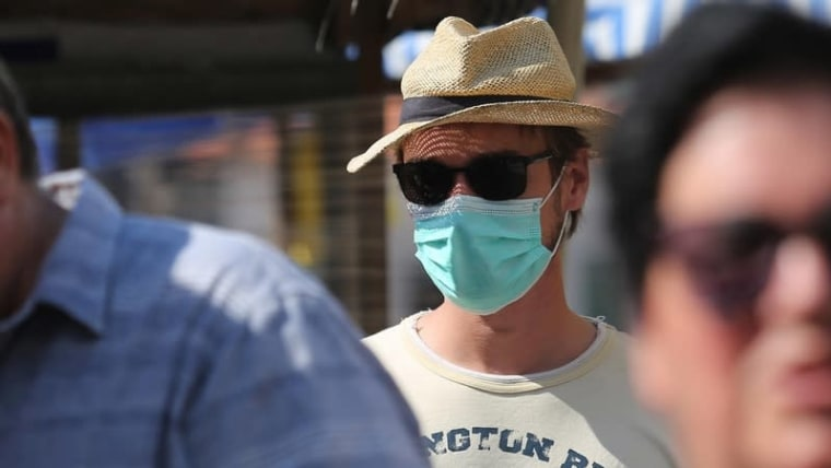 Šibenik: More people are wearing masks outdoors (Photo: Dusko Jaramaz/PIXSELL)