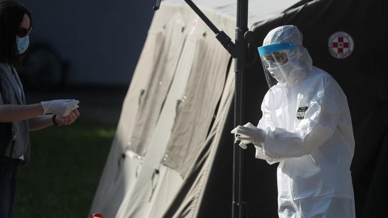 Coronavirus testing (Photo: Zeljko Lukunic/PIXSELL)