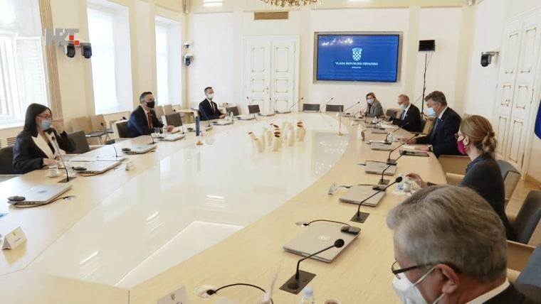 Die Delegation des Kosovo im kroatischen Regierungssitz (Foto: HRT)