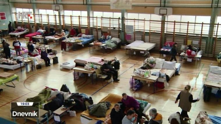refugio temporal en zona afectada por el terremoto (Foto: HRT)