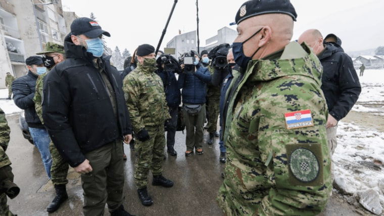 Officials meet with Army engineers who are setting up a container village in Petrinja to house earthquake victims (Photo: Robert Anic/PIXSELL)