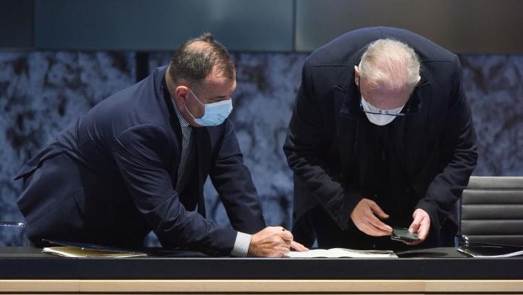 Health Minister Vili Beroš (L) Deputy PM and Interior Minister Davor Božinović (R) (Photo: Davorin Visnjic/PIXSELL)
