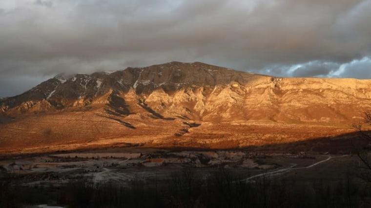 A photo of the Dinara mountain range taken from Kijevo (Photo: Ivo Cagalj/PIXSELL)