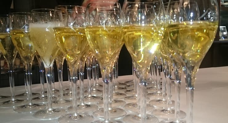 glasses_of_Champagne
