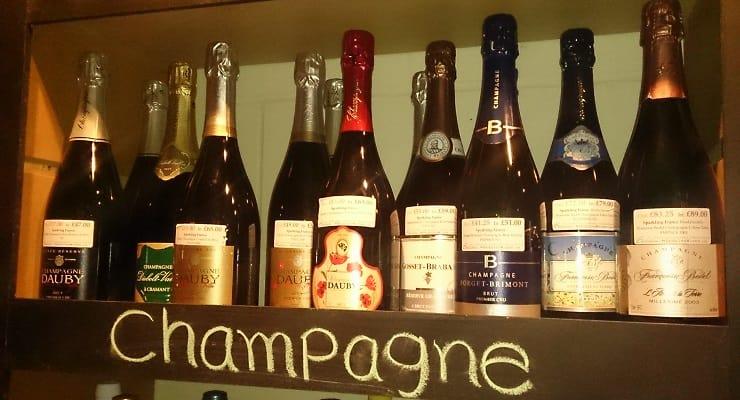 Champagne_bottles_on_shelf