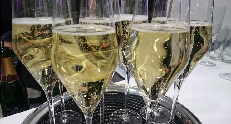 dba153c5c5f 5 Reasons to Try Organic Bubbly - Glass Of Bubbly