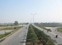 Route 1: the main trans-Vietnam artery (Bình Giang/Public domain)