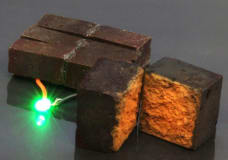 Scientists turn the common brick into a battery with polymer coating