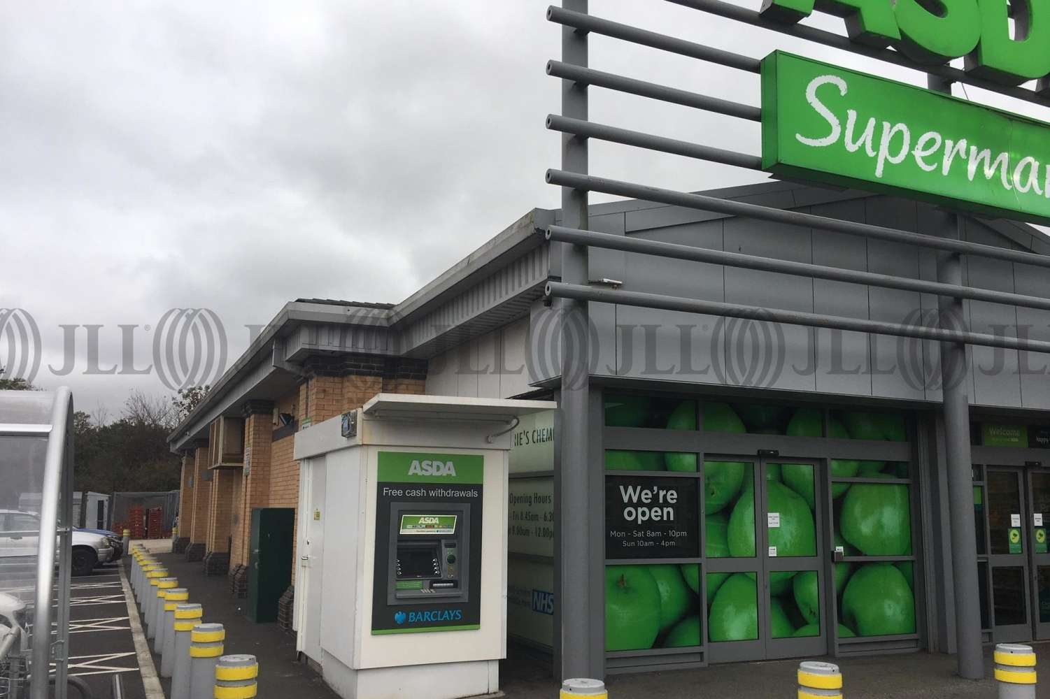 Retail shopping centre Bradford, BD12 9JF - Vacant Concession