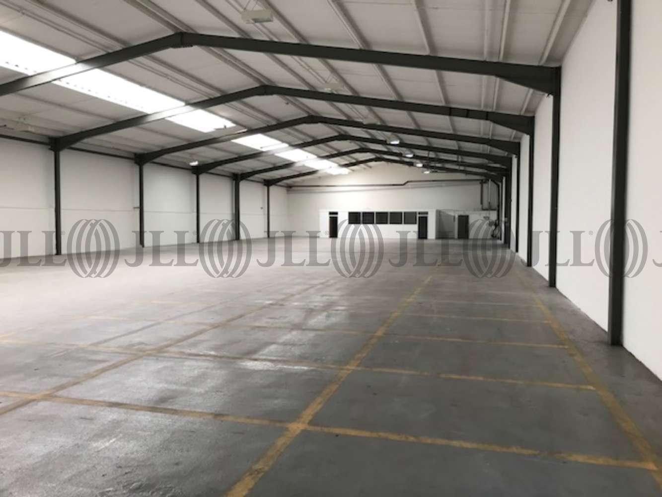 Industrial West byfleet, KT14 7JN - Units 6-8 Trackside Business Centre, Abbots Close