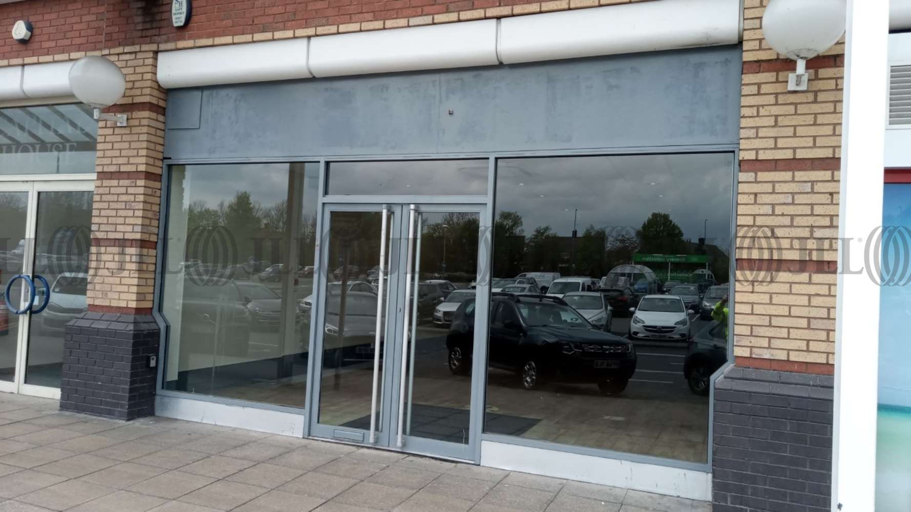 Retail out of town Liverpool, L24 9WA - Unit 8A