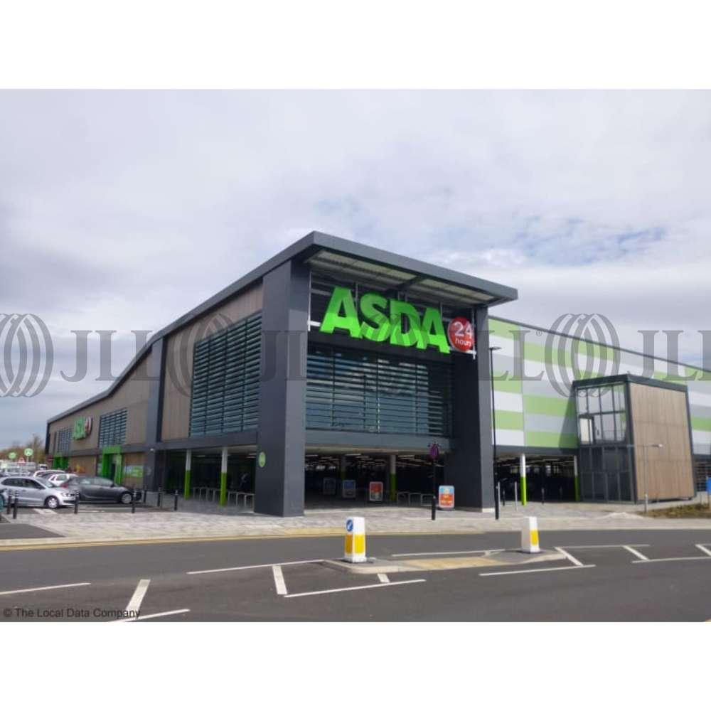 Retail high street Sheffield, waterthorpe, S20 7AB - Concession Unit