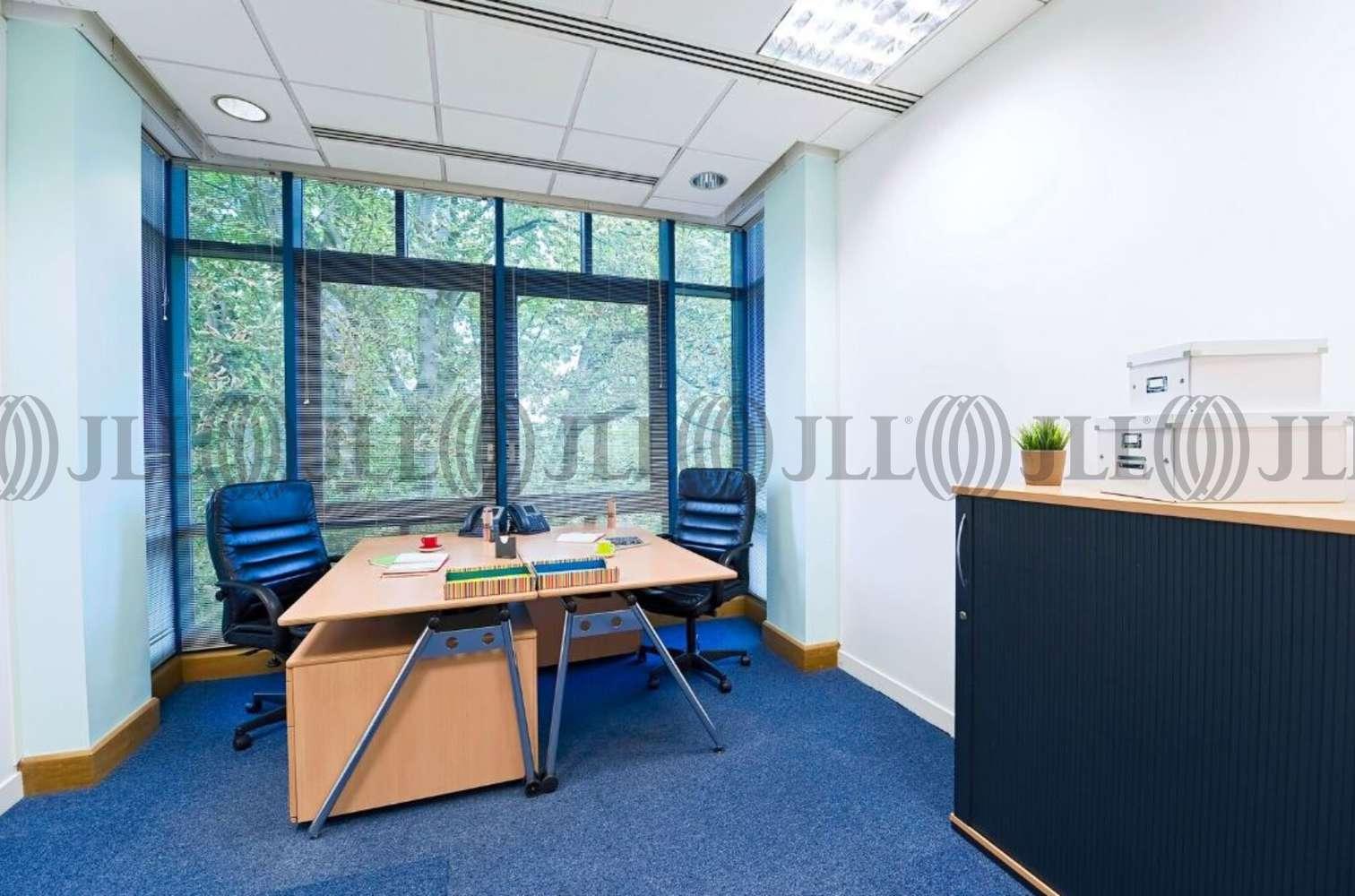 Serviced office Staines, TW18 3BA - Knyvett House