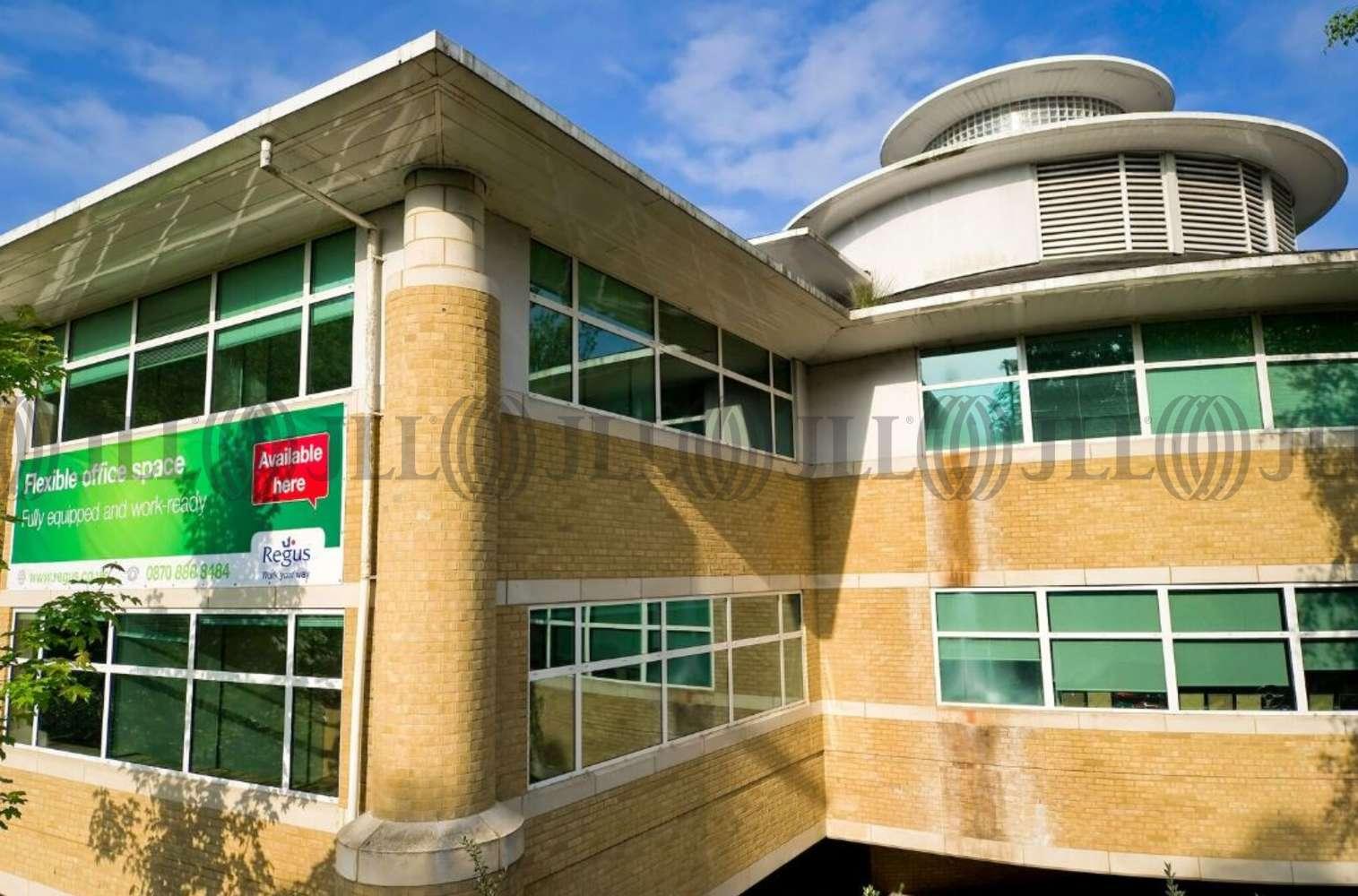 Serviced office Weybridge, KT13 0TT - Wellington Way