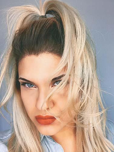 Anestop blonde beauty
