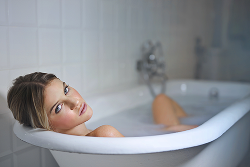 A break for the skin with a warm bath