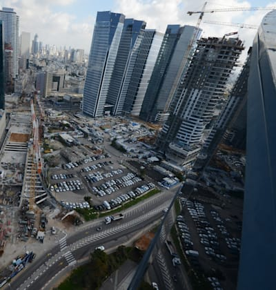 מתחם חסן ערפה השבוע. הפיתוח מותח את מרכז העיר דרומה / צילום: איל יצהר
