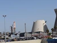 מתקן הזיקוק של בזן בחיפה. מכה קשה מהקורונה, ששלחה את מחירי הנפט לשפל / צילום: בר - אל