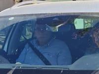 """ניר אורבך יוצא מביתו של יו""""ר ימינה נפתלי בנט / צילום: בר - אל"""