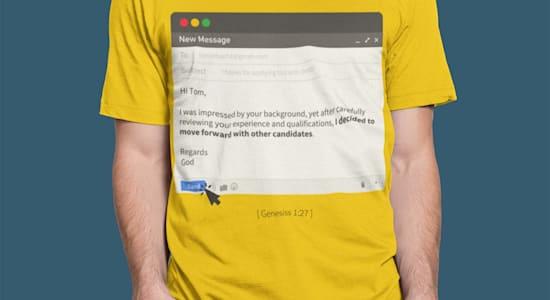 החולצה שהכין תום אורבך, עם תשובה שלילית גנרית / צילום: באדיבות תום אורבך
