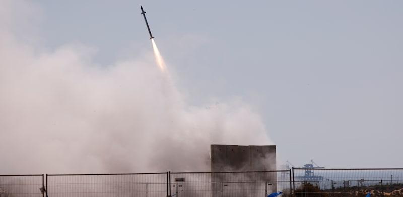 כיפת ברזל בפעולה בסביבת אשקלון / צילום: Reuters, Amir Cohen