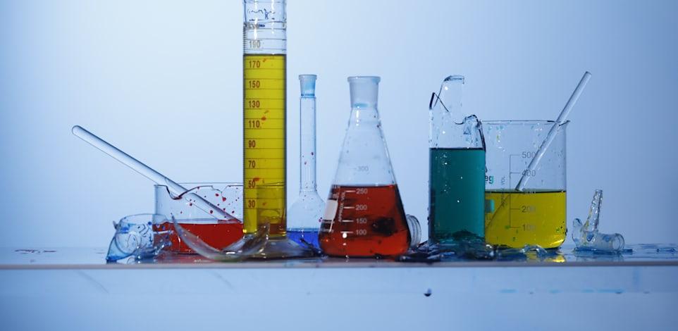 ביומד - מעבדה - מבחנות - תרופות / צילום: כפיר זיו