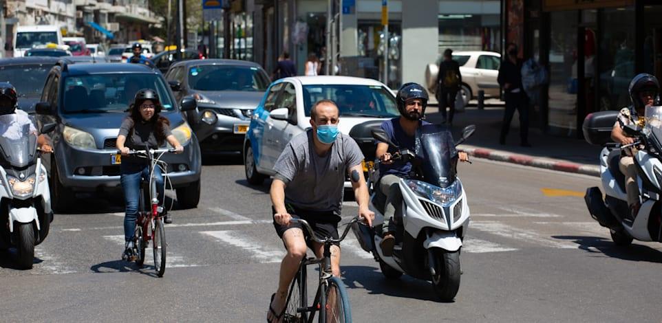 רחוב בתל אביב. גידול בכלי תחבורה זעירים / צילום: Shutterstock