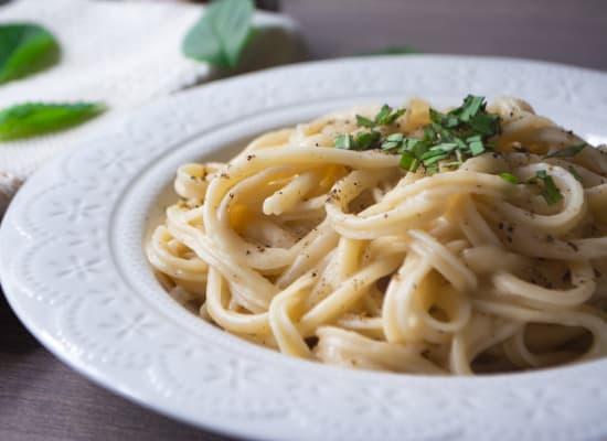 פסטה ברוטב שמפניה ולימון / צילום: Shutterstock
