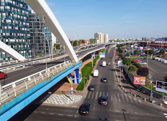 """בוקרשט, רומניה. """"מדינות עושות מהלכים לעידוד רכישת דירות"""" / צילום: Shutterstock"""