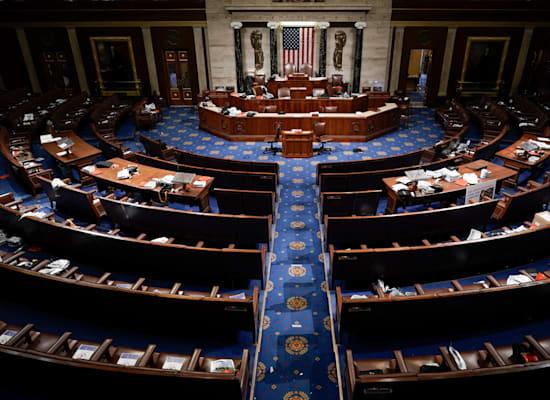 אולם הקונגרס בגבעת הקפיטול לאחר שחברי בית הנבחרים והסנאטורים נסו ממנו לאחר פריצת המפגינים / צילום: Associated Press, J. Scott Applewhite