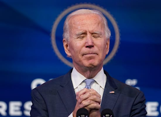 """ביידן """"מתפלל"""" למען עתיד אמריקה / צילום: Associated Press, Susan Walsh"""