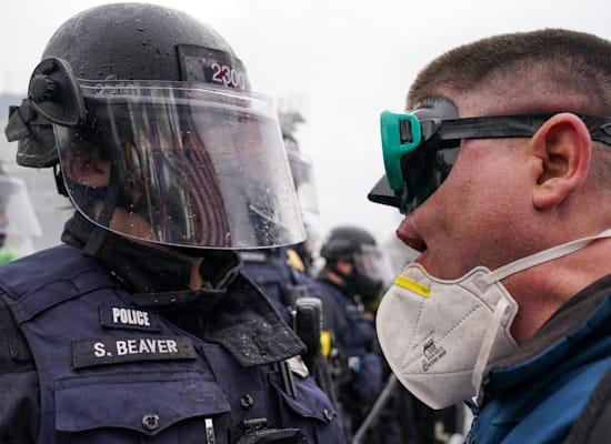 ראש בראש בוושינגטון / צילום: Associated Press, John Minchillo