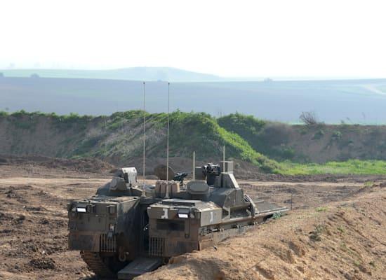 טנק בגבול עזה / צילום: איל יצהר