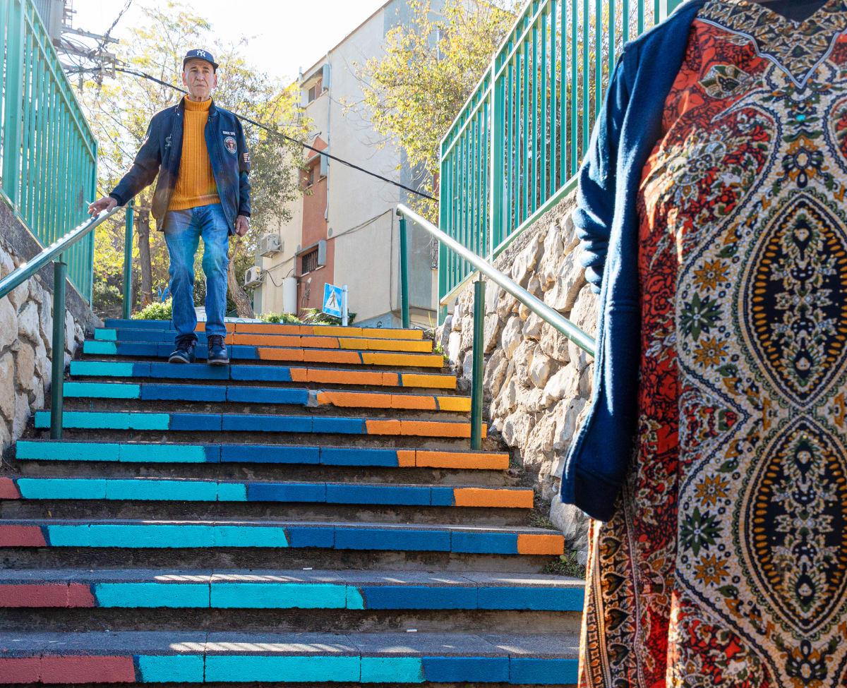 גרם המדרגות ביקנעם עילית אחרי השיפוץ / צילום: דניאל רחמים