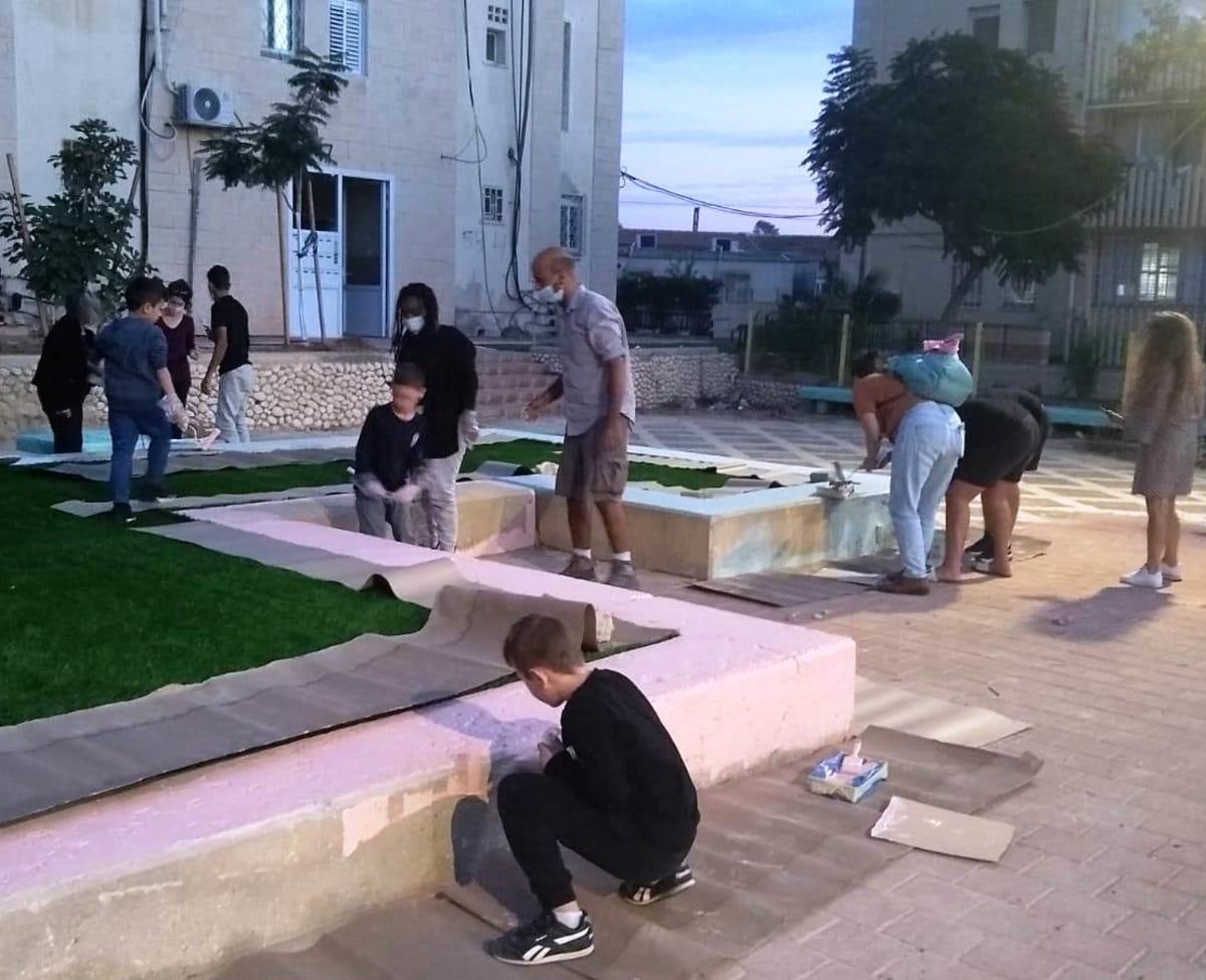 שיפוץ הגינה נעשה בשיתוף פעולה עם תושבי השכונה / צילום: שרה מנגשה