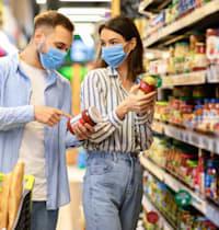 הצרכנים מחפשים כיום חנויות בקרבת הבית, או על מסלול הנסיעה שלהם / צילום: Shutterstock/א.ס.א.פ קרייטיב
