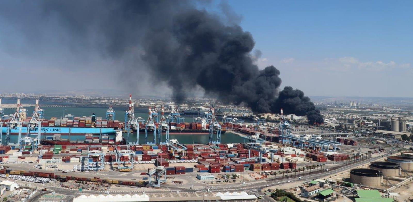 שריפה במפעל שמן מפרץ חיפה - קרדיט  / צילום: דוברות המשרד להגנת הסביבה / צילום: אילן מלסטר המשרד להגנת הסביבה