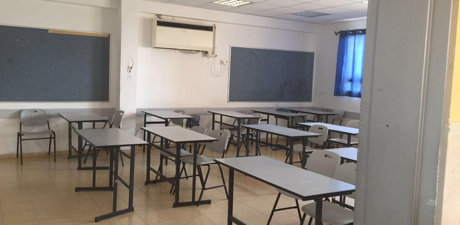בית הספר למדעים בטירה שובת , כיתות ריקות , כיתה ריקה / צילום: רשת עמל