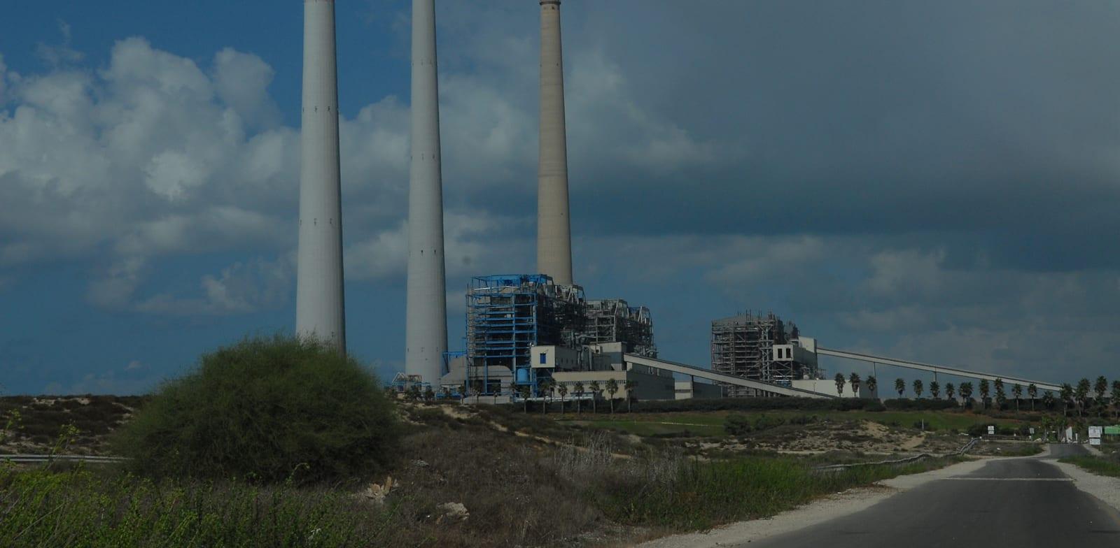 תחנת כוח חדרה - נמל חדרה / צילום: איל יצהר