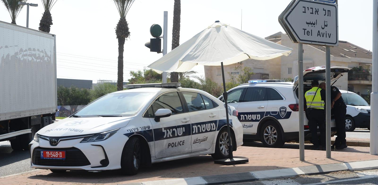 """מחסום משטרה בזמן סגר ת""""א / צילום: איל יצהר"""