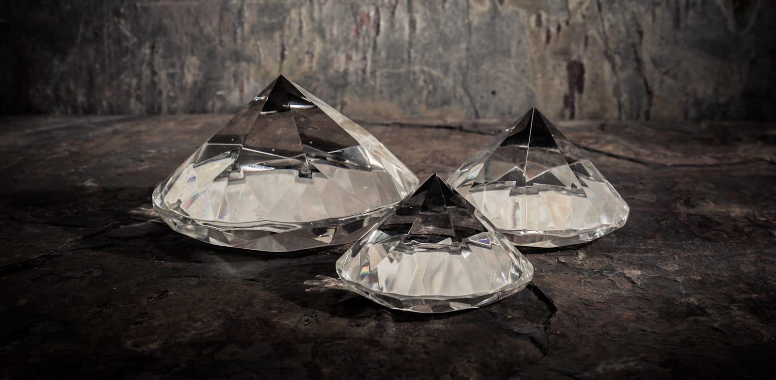ייבוא יהלומים/ צילום: שאטרסטוק