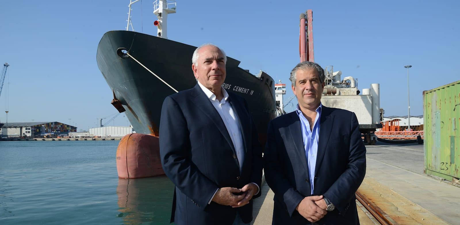 שלומי פוגל (מימין) ואסי שמלצר, מבעלי מספנות ישראל / צילום: איל יצהר