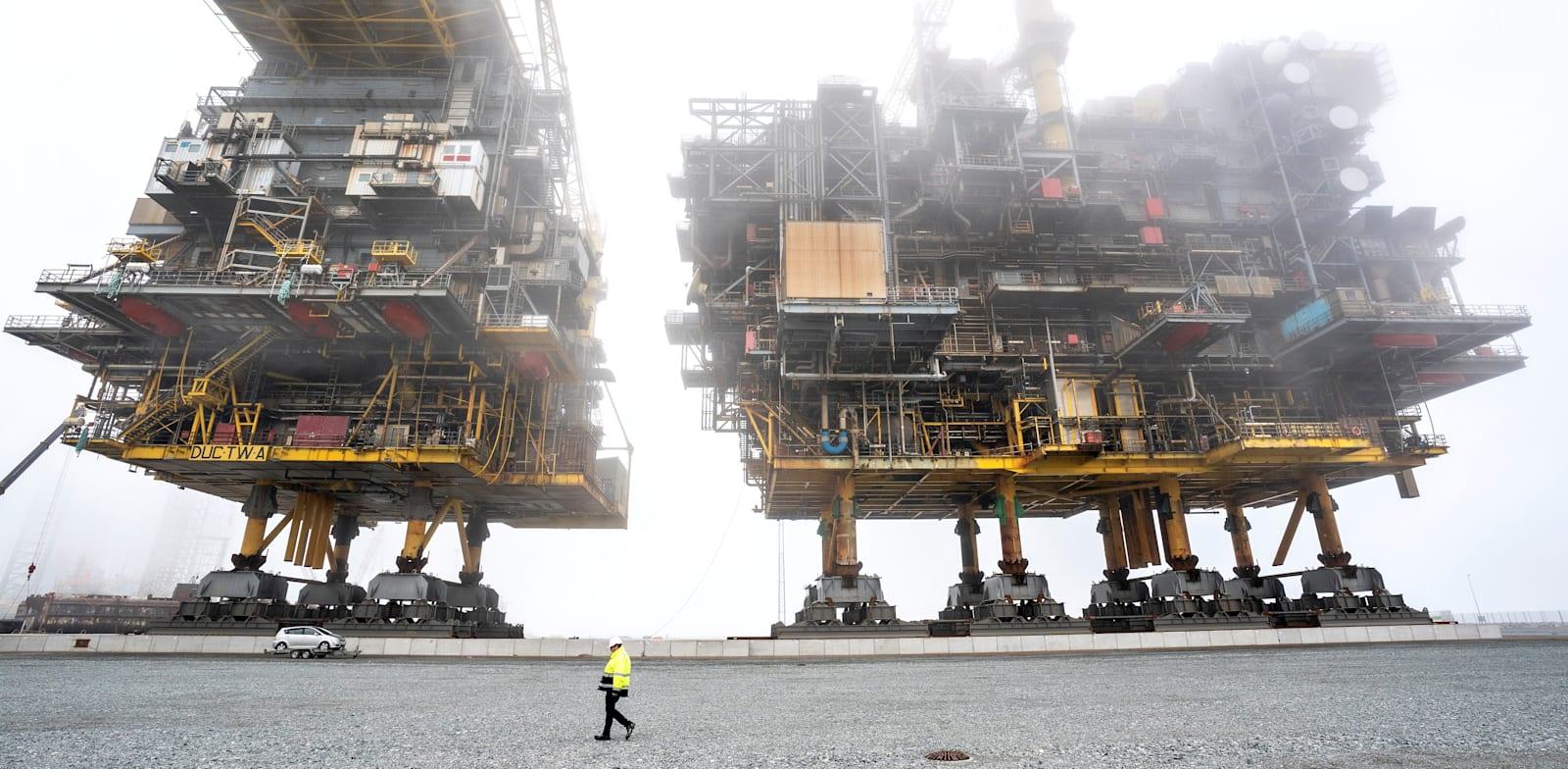 פירוק של אסדה לחיפוש גז למיחזור בדנמרק / צילום: Reuters, Henning Bagger/Ritzau Scanpix