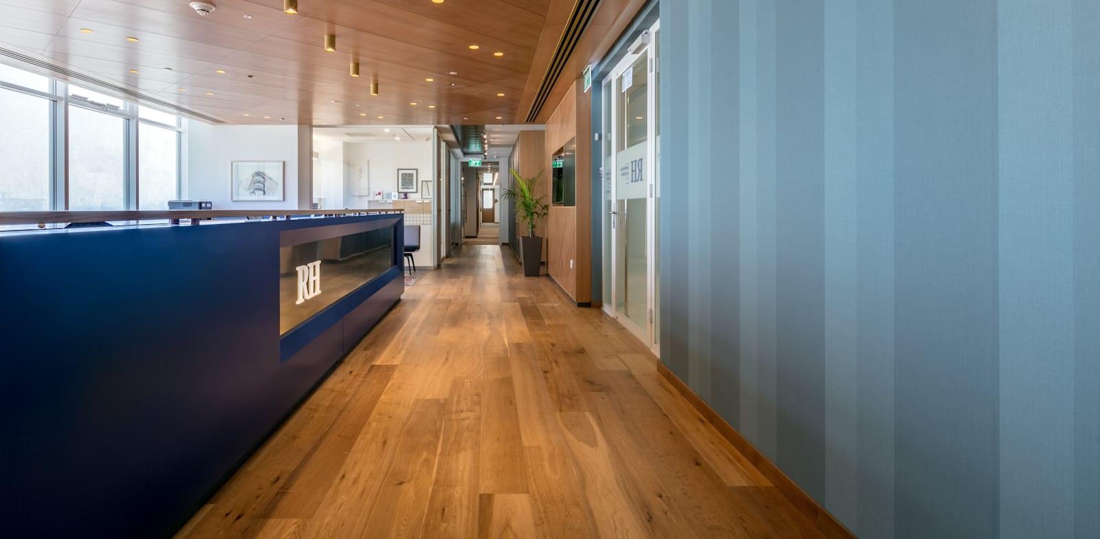 משרדי רוזנבלום הולצמן שות', רואי חשבון / צילום: עוזי פורת
