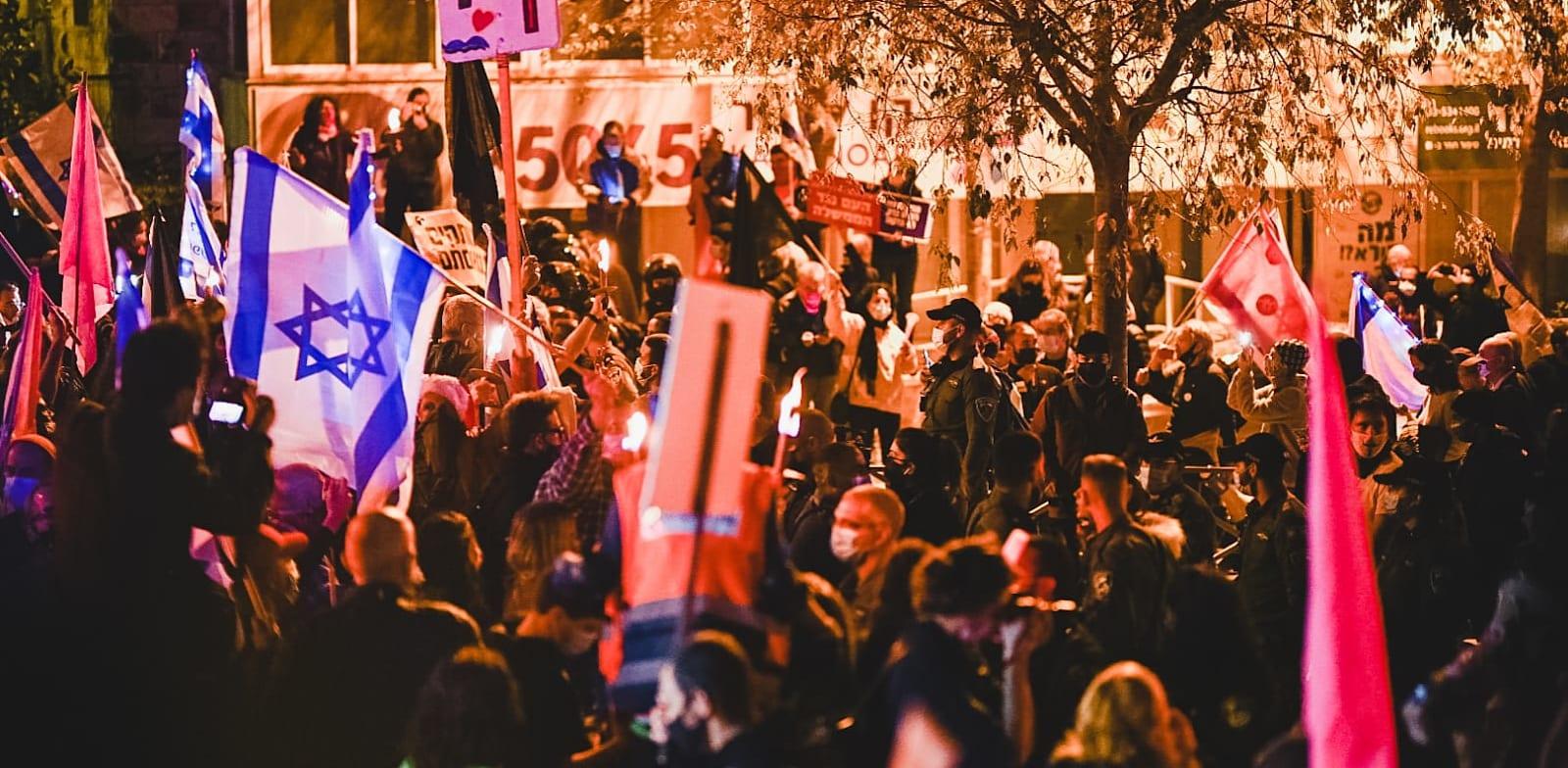 מפגינים נגד ראש הממשלה / צילום: אמנון חורש